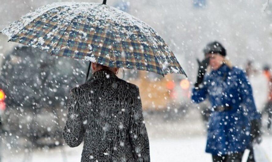 Автодороги в Днепре очищать ото льда и снега научились, а кто займется дворами и тротуарами?