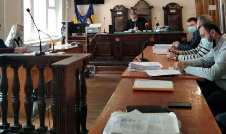 В Жовтневом суде