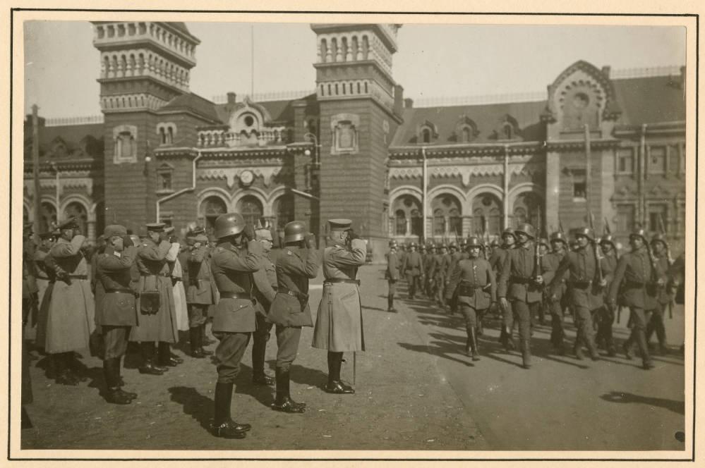 Войска на вокзале