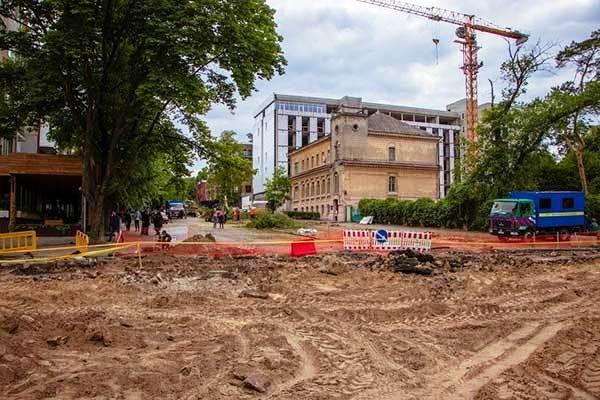 Извращенная логика: две точки зрения на скандальную реконструкцию улицы между двумя парками в Днепре