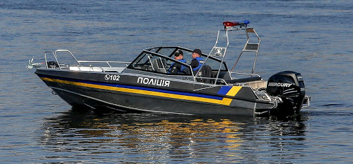 Чего бояться? Какие правила чаще всего нарушают водители моторных лодок и катеров в Днепре