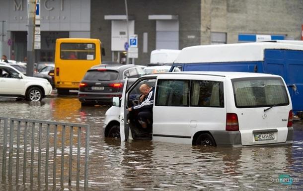 Испытание дождём. Почему в прошедшее воскресенье горожане путали город Днепр с рекой Днепр?