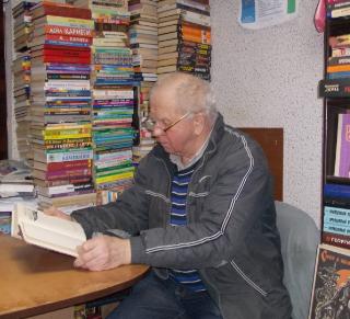 «У дяди Вани»: Интервью со старейшим букинистом Днепропетровска