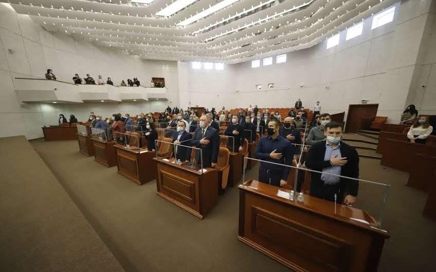 Принципиальный спор. Единственной оппозицией в горсовете Днепра стала фракция «Слуги народа»