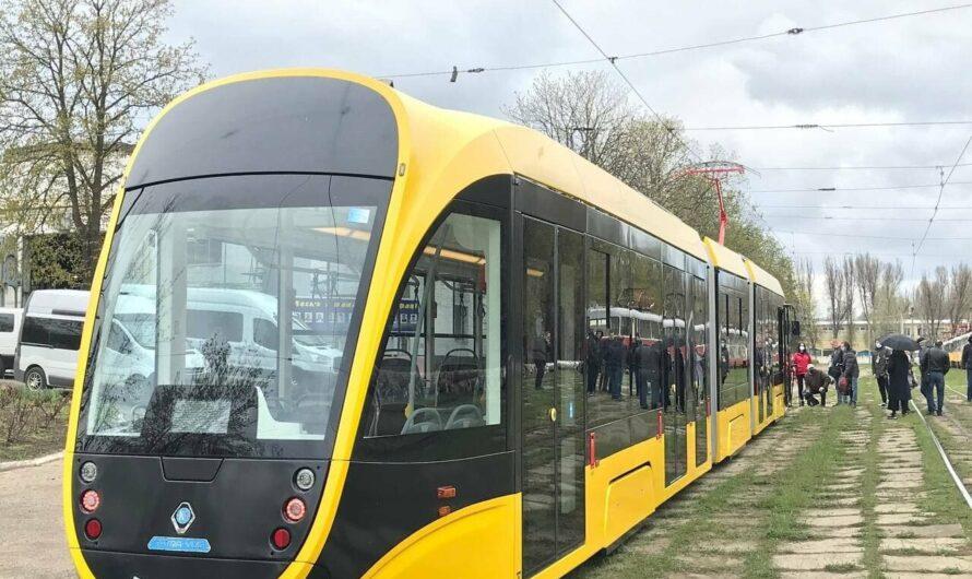 В 2022 году Днепр и Кривой Рог получат от государства 18 новых трехсекционных трамваев